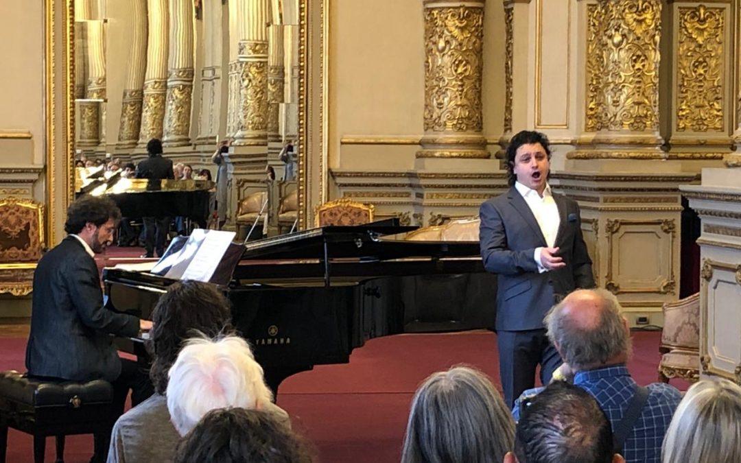 The baritone Alfredo García debuts at the Teatro Colón in Buenos Aires